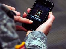 """В следующем году всех американских военных """"вооружат"""" смартфонами"""