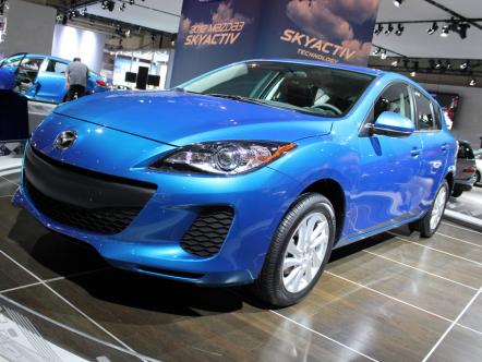 Обновленную Mazda3 привезли в Канаду