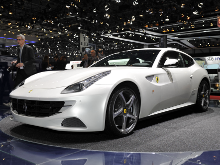 Ferrari FF и Lamborghini Aventador распроданы на год вперед