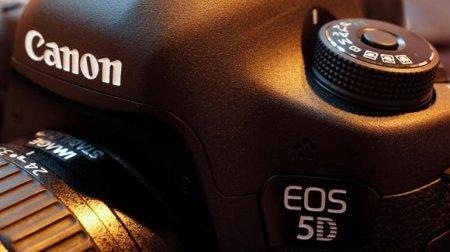 """Canon выпустит еще две """"зеркалки"""" в 2012 году"""