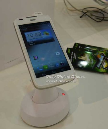 IFA 2012, стенд Acer: смартфоны Liquid Gallant и Cloud Mobile, ультрабуки Aspire S7, Timeline Ultra M5