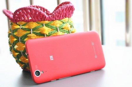 Смартфон ZTE Geek U988S на платформе Tegra 4