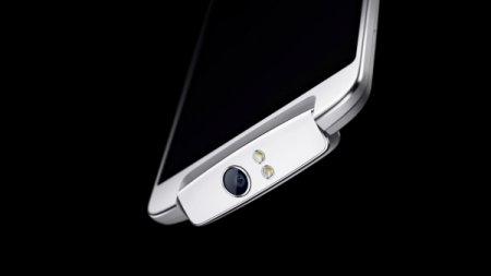Смартфон с поворотной камерой Oppo N1 поступит в продажу 10 декабря