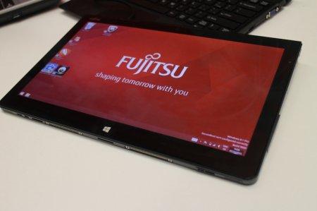 """Планшет Fujitsu Stylistic Q704: 12,5"""" IPS-экран, Haswell и многое другое"""