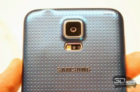 Премиум-версия Galaxy S5 в металлическом корпусе выйдет в мае?