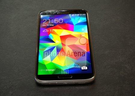 Новый смартфон Samsung Galaxy S5 Prime сможет загружать данные со скоростью 225 Мбит/с